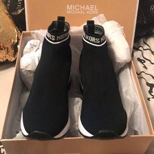 Michael Kors Skylar logo booties